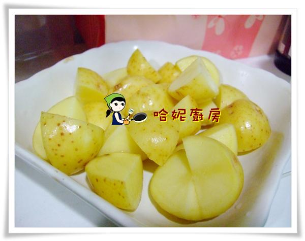哈士奇居家清潔公司、家事服務-哈妮素食譜-番茄馬鈴薯-切塊馬鈴薯.JPG