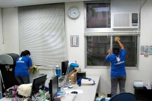哈士奇居家清潔公司-服務案例-某大學辦公室打掃3.JPG