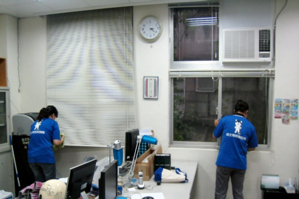 哈士奇居家清潔公司-服務案例-某大學辦公室打掃4.JPG