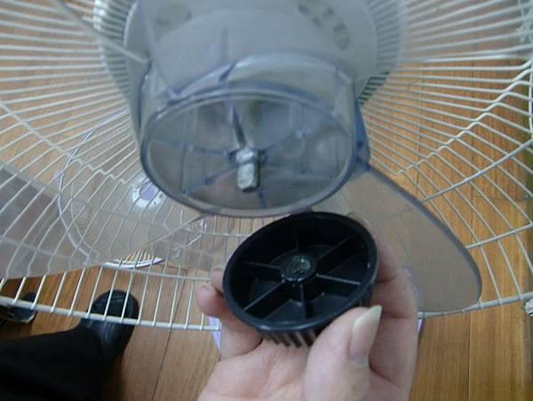 哈士奇居家清潔公司-家事女王-電風扇清潔-7.JPG