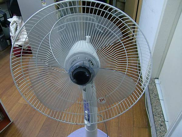 哈士奇居家清潔公司-家事女王-電風扇清潔-5.JPG