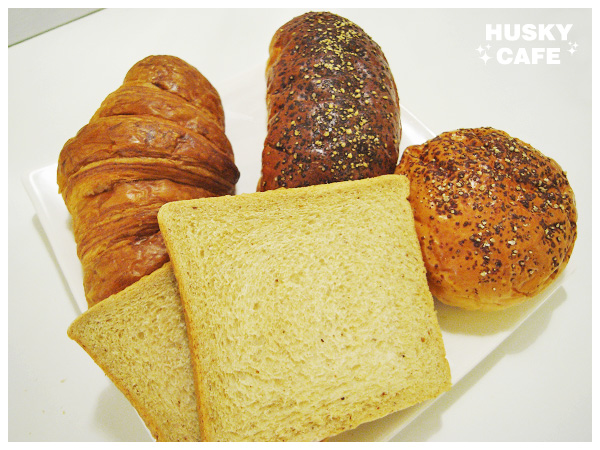 好醬料配好麵包-3.jpg