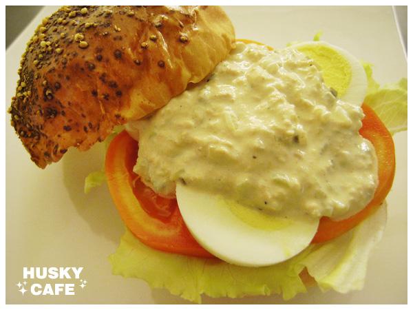 鮪魚沙拉起司堡-3