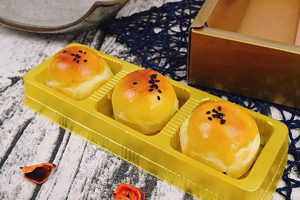豆沙蛋黃酥