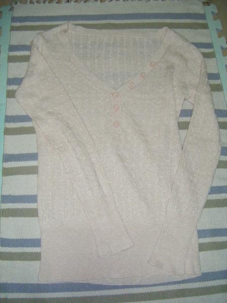 粉紅針織衣 300元