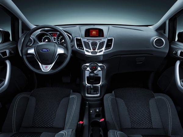 Ford Fiesta-03_調整大小.jpg