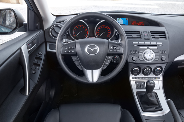 Mazda3車室.jpg.jpg