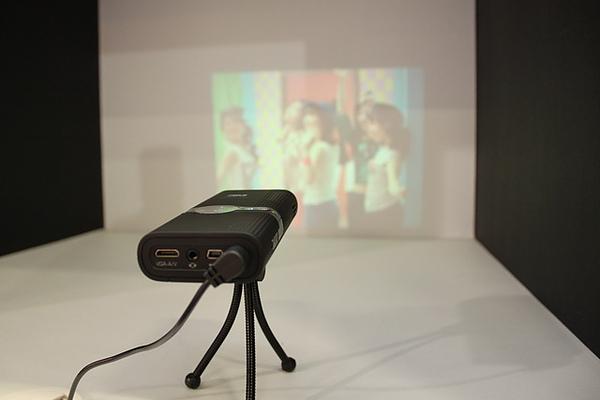 3M多點觸控、裸視3D顯示、USB 3.0螢幕、光學增亮膜技術