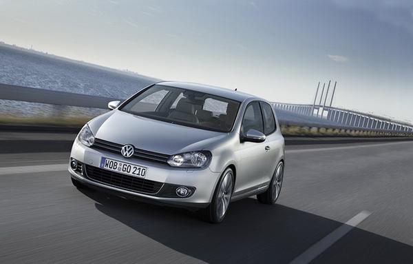 VW Golf-01_調整大小.jpg