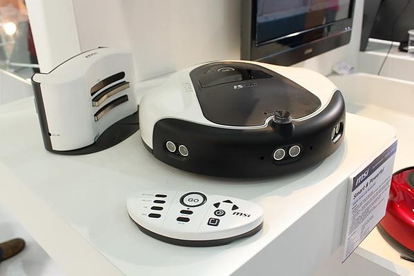 微星也推出自動掃地機器人MSI M800吸力比Roomba強6~10倍!