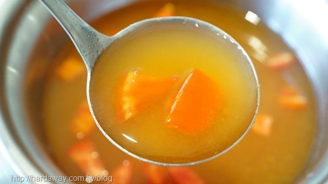 新鮮番茄湯底