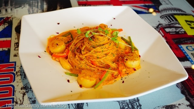 海膽醬佐干貝蟹肉麵