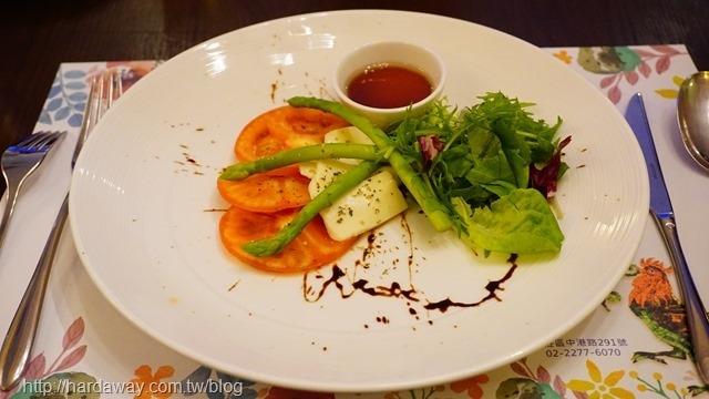 番茄起司蘆筍盤