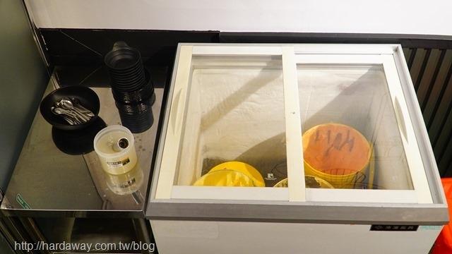 ㄚ聰伯手炒石頭鍋免費冰淇淋