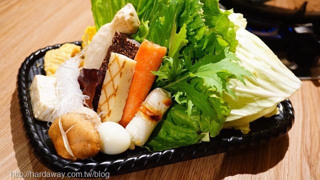 手炒石頭火鍋系列菜盤