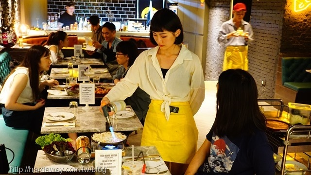 首爾餐酒館桌邊服務