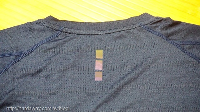 SPORT PRO左斜肩字母運動機能短袖