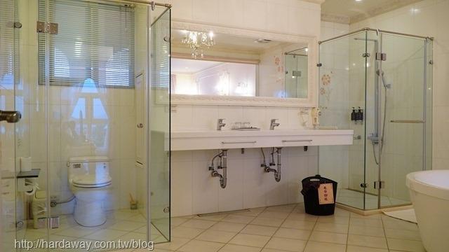 蓓塔堡佩納雙人房浴室