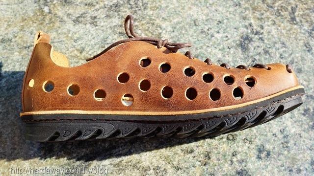 雙層氣墊休閒鞋