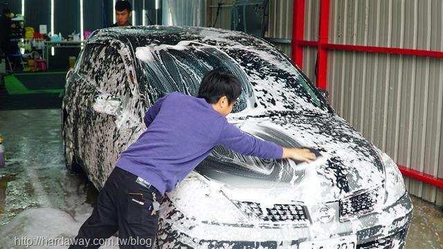 洗來登汽車美容中心手工洗車