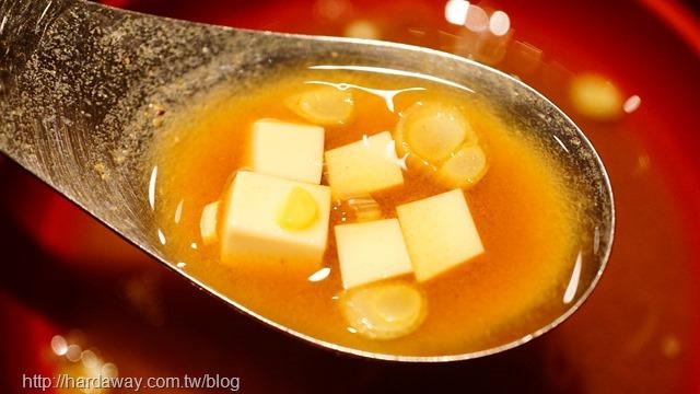 日本橋海鮮丼 辻半Tsujihan味增湯
