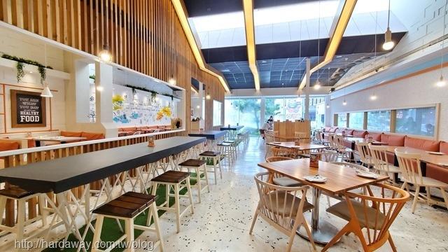 布佬廚房台中大墩南店用餐環境