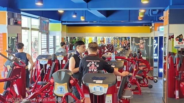 World Gym台南善化店專業健身教練