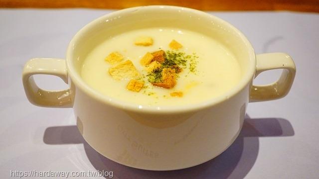 魅麗海中庭餐廳排餐濃湯