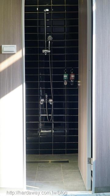 OWL HOSTEL貓頭鷹旅店浴室