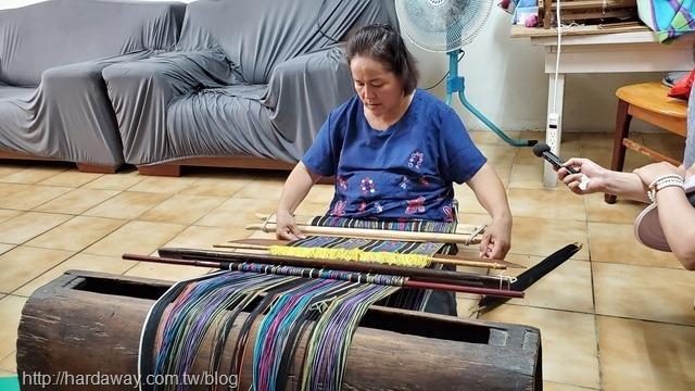 傳統泰雅編織機