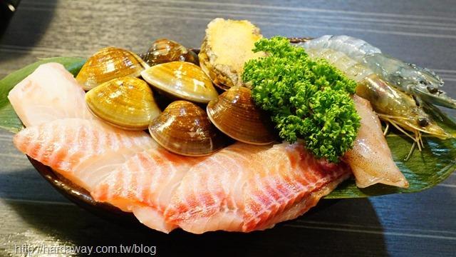 武鶴和牛火鍋198海鮮拼盤
