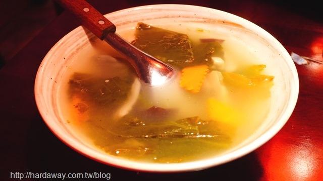 完鍋子熱炒酸菜肚片湯