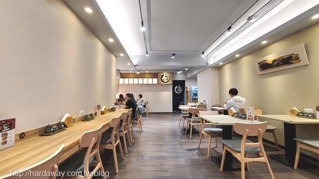 三河中川屋光復南店用餐空間