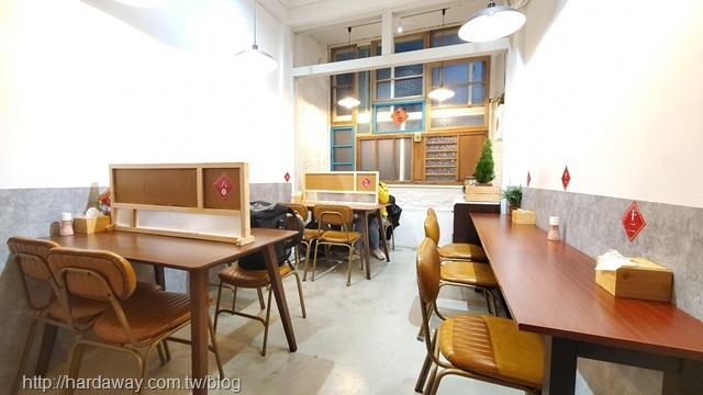 硬派主廚的軟嫩料理店內空間