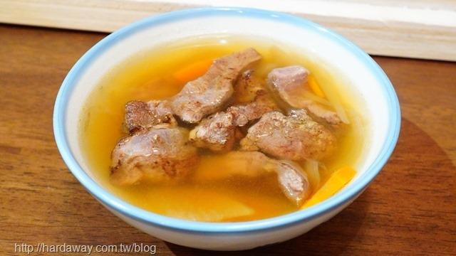 手起刀落半筋半肉燉湯