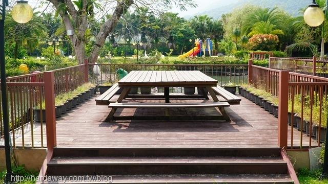 瑞穗棕櫚湖民宿庭院