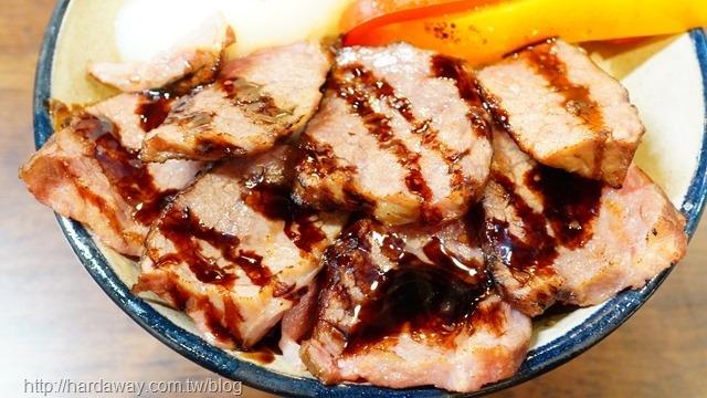 硬派主廚的軟嫩料理主廚喝紅酒醬牛小排飯