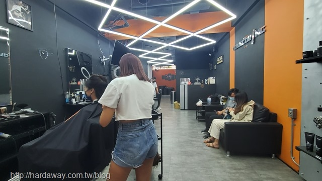 Homecoming barbershop男士理髮廳