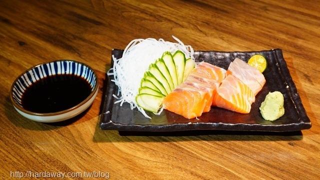 老八風居酒屋鮭魚生魚片