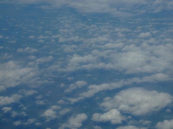 這張就叫天空中有雲好了XD