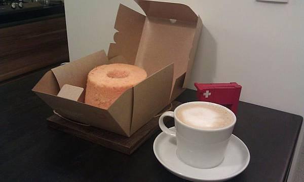 戚風蛋糕 & 小勒煮的咖啡