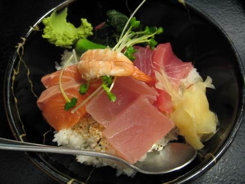丸大生魚片蓋飯.jpg