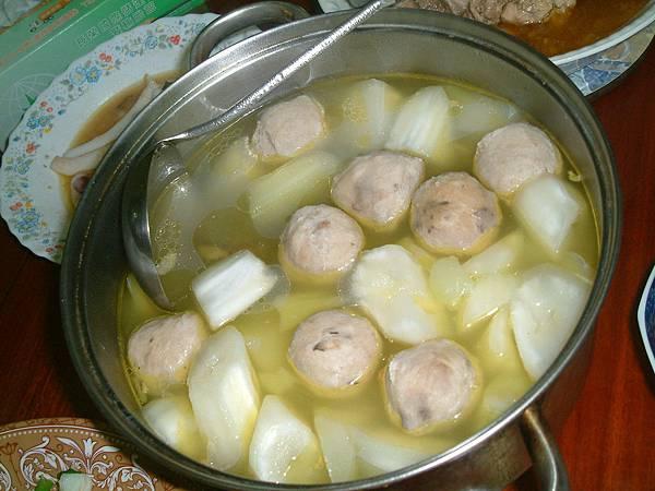 貢丸蘿蔔湯