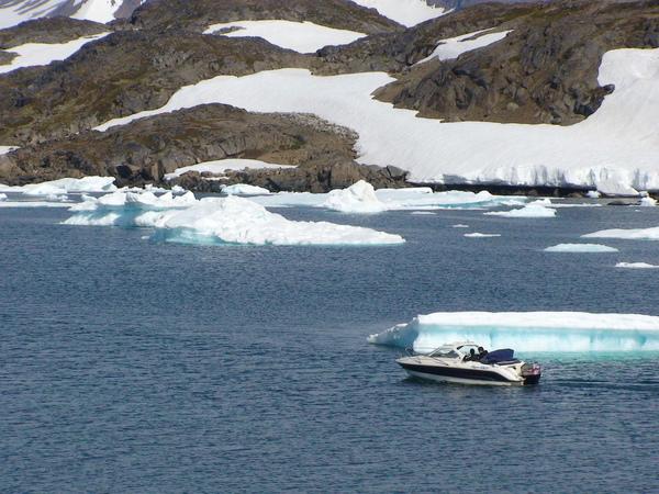 北極海中一景