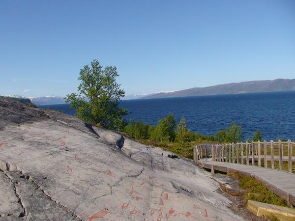 北歐最大石器時代的岩石壁畫