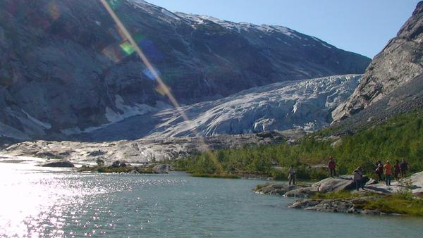 約斯達冰河