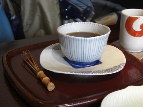 招待的熱咖啡