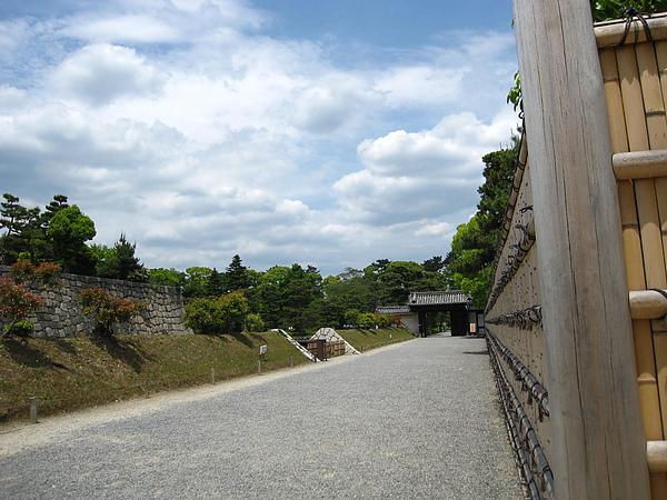 二条城 19 往桜之園.JPG