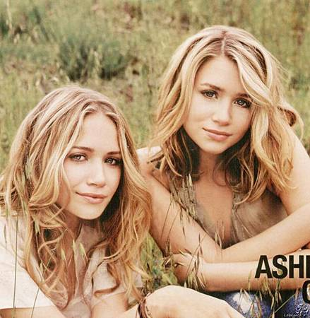 celeb_Mary_Kate_and_Ashley_Olsen.jpg