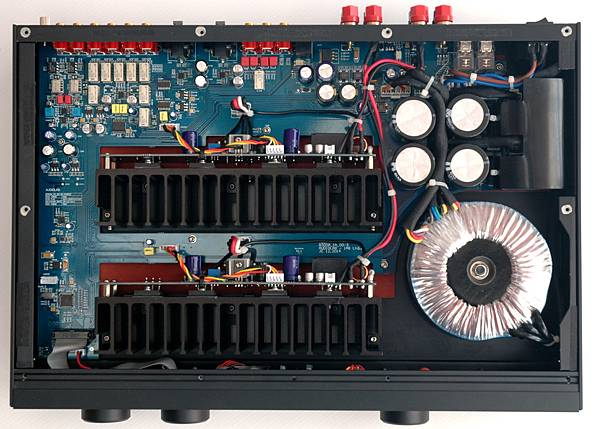 4120_Audiolab_8300A_internal.jpg